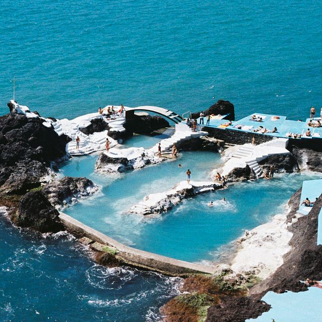 Top 10 Most Spectacular Swimming Pools | Top Inspired