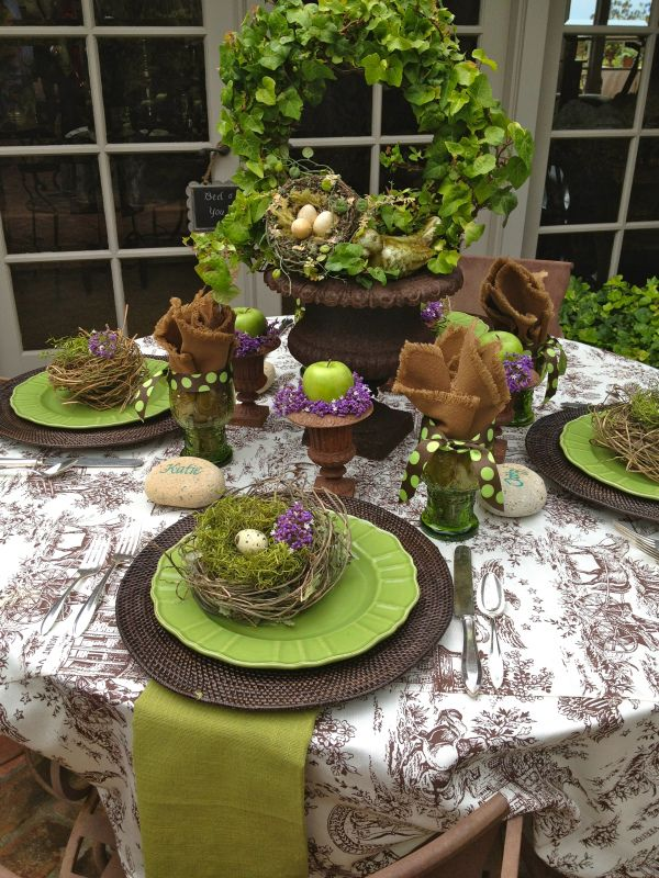 Top 10 creative tablescapes top inspired for Easter dinner table setting ideas
