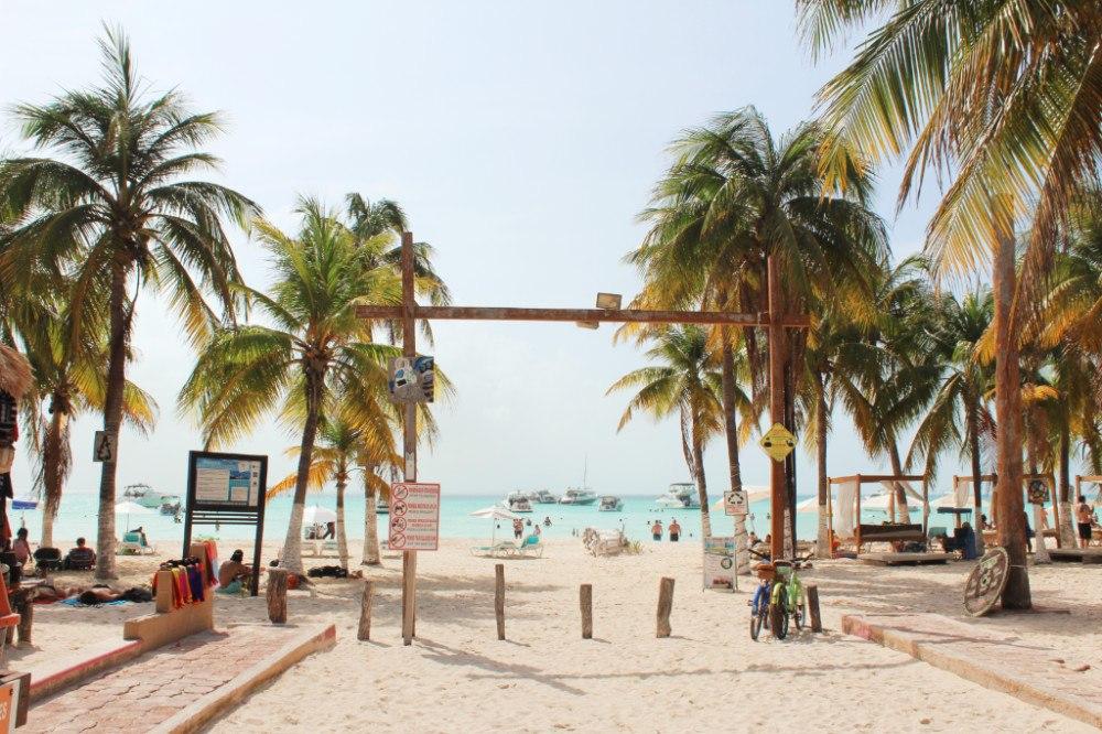 Isla-Mujeres-Mexico-Beach-Entrance