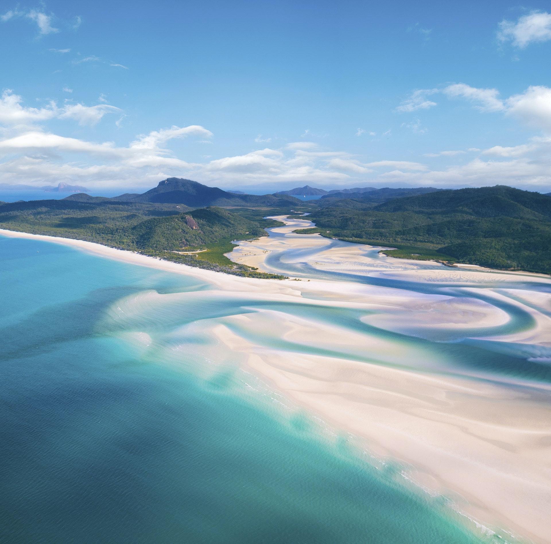 Whitehaven-Beach-Whitsundays-