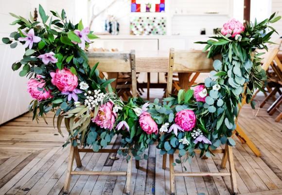 floral-wedding-garland-