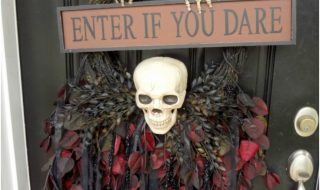 Top 10 DIY Scary Halloween Wreaths   Top Inspired