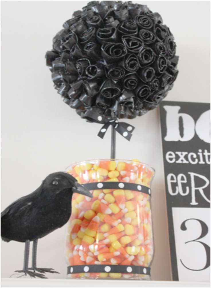 Duct-tape-Halloween-topiary