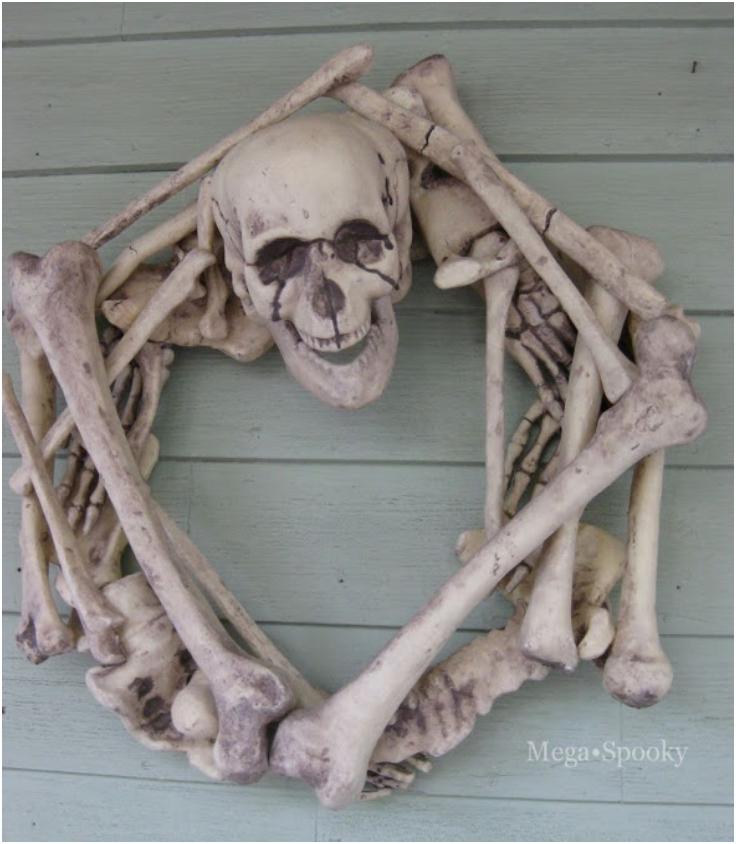 Guest-Pos-Skeleton-Wreath