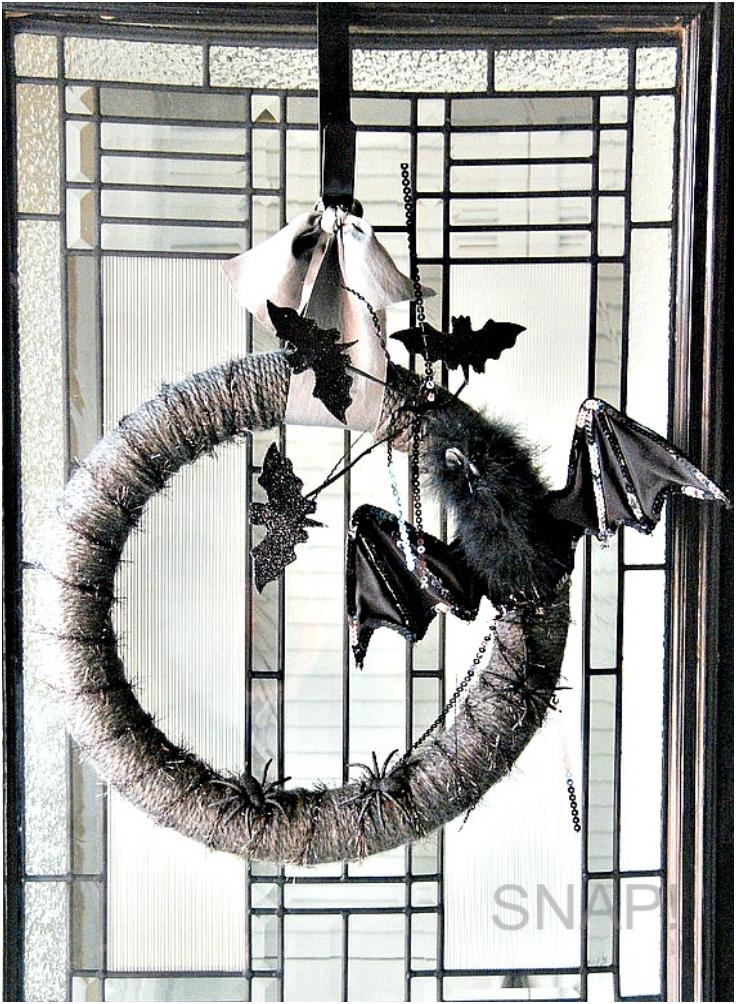 Halloween-Yarn-Wreath-11