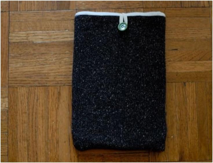 How-To-Create-a-Slighty-Self-Cleaning-iPad-Sleeve