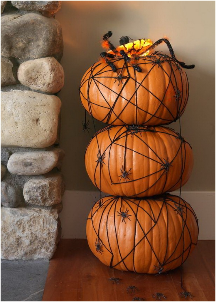 How-to-Make-a-Pumpkin-Topiary-with-Spiders