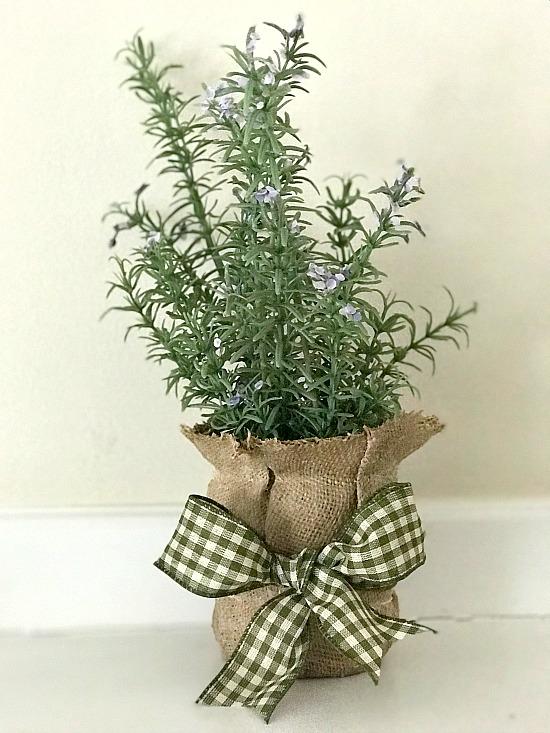 burlap-vase-for-greens