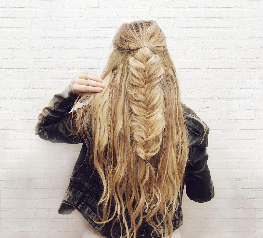 kassinka-half-up-fishtail-braid-hair-tutorial