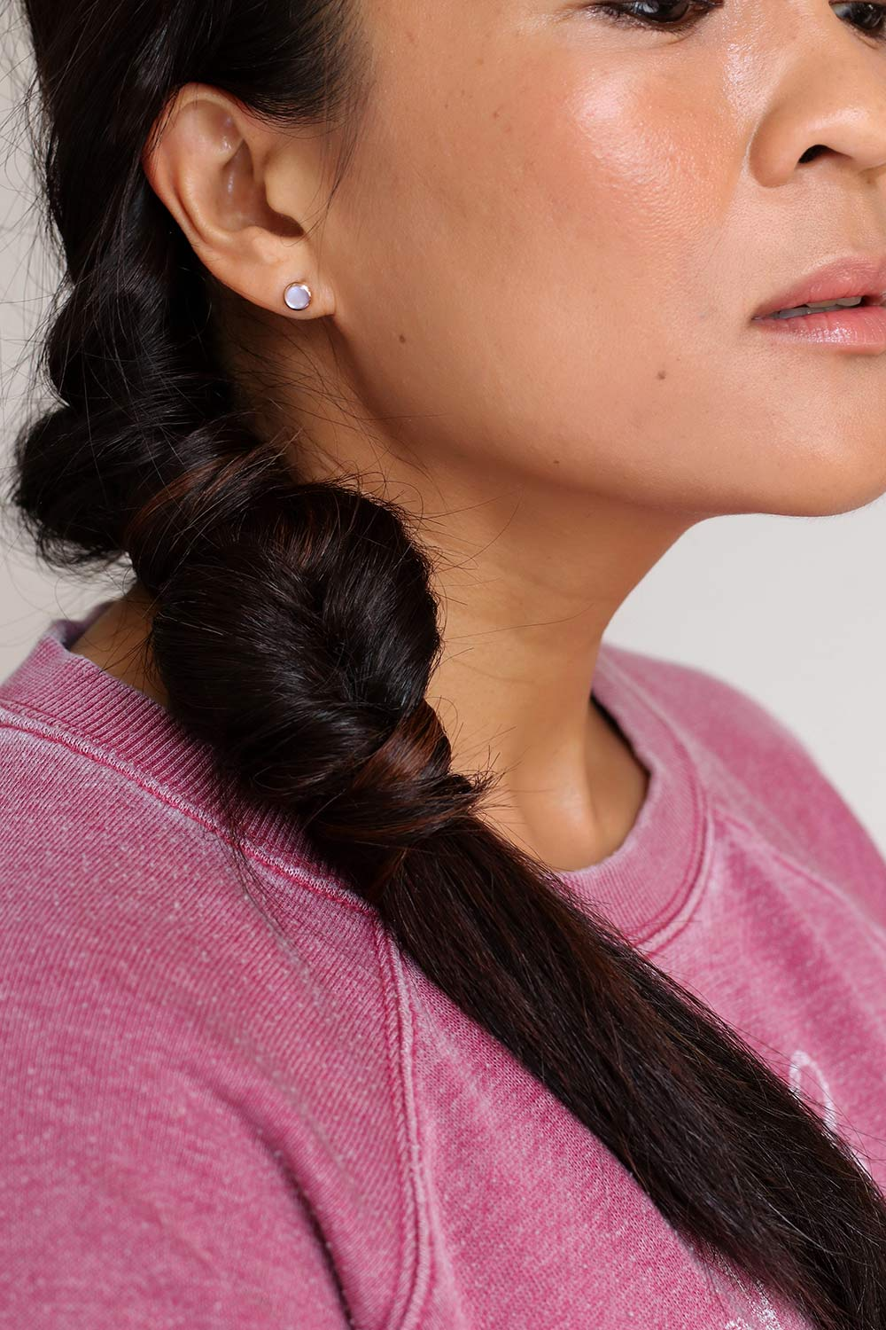 low-double-side-roll-ponytail-side-closeup-final