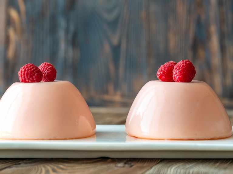 raspberry-rose-panna-cotta-fc262a6