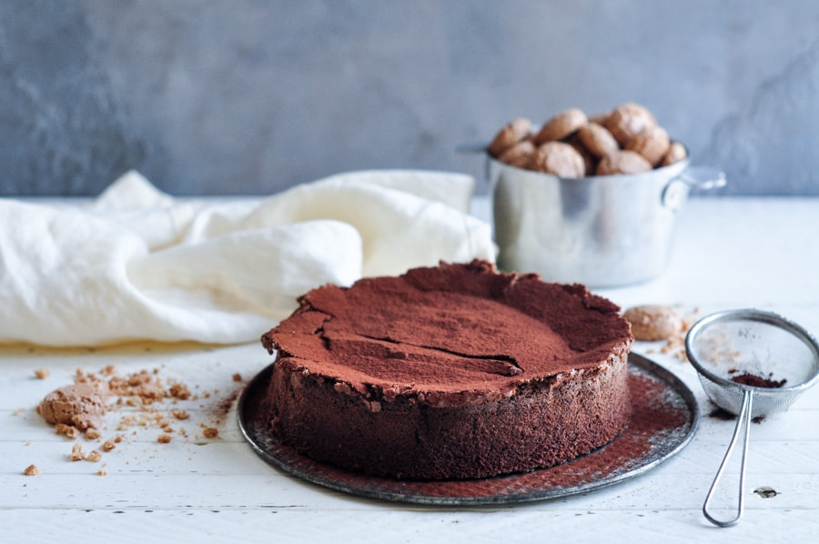 sunken-chocolate-amaretto-cake-11