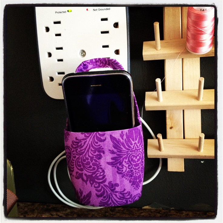 top-10-creative-diy-phone-holders_02