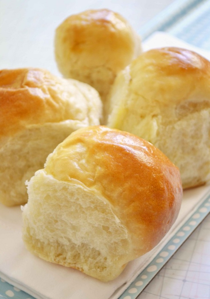top-10-delicious-pull-apart-rolls_01