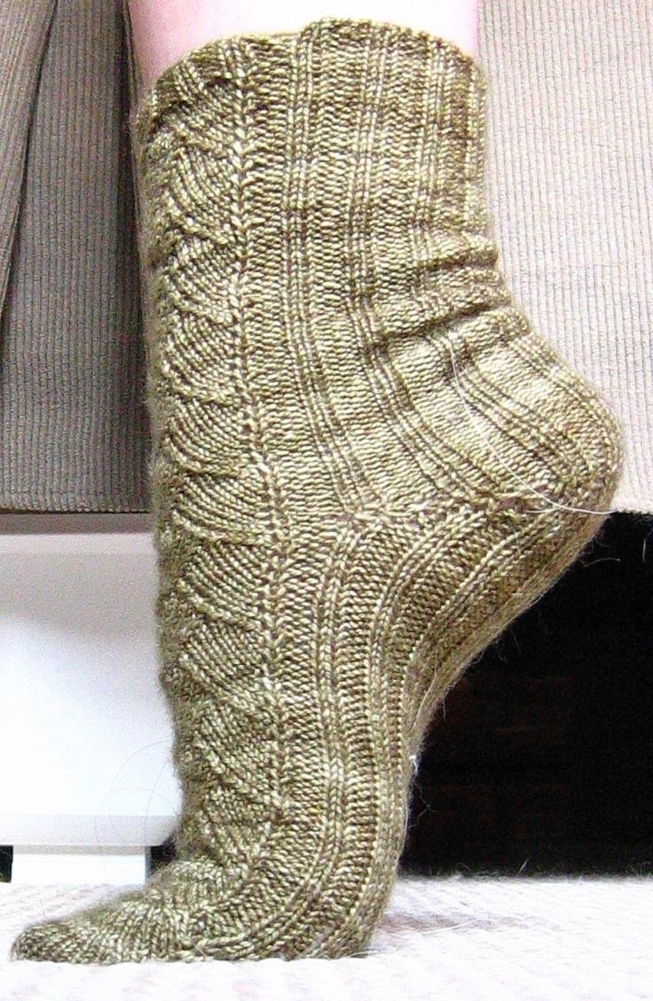 top-10-diy-sock-knitting-patterns_05