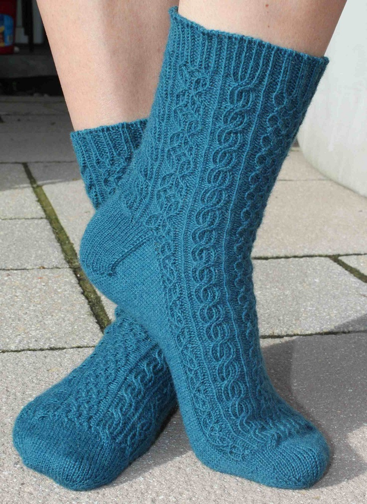 Toe Up Knitted Sock Pattern Free : TOP 10 DIY Sock Knitting Patterns