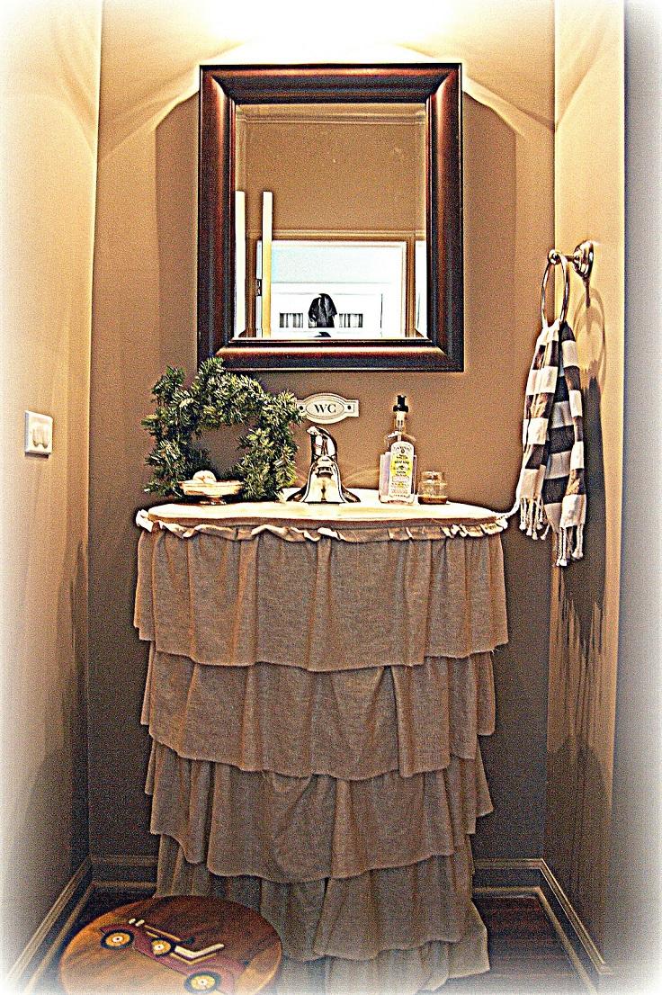 Genial Top 10 Easy Diy Sink Skirts_08