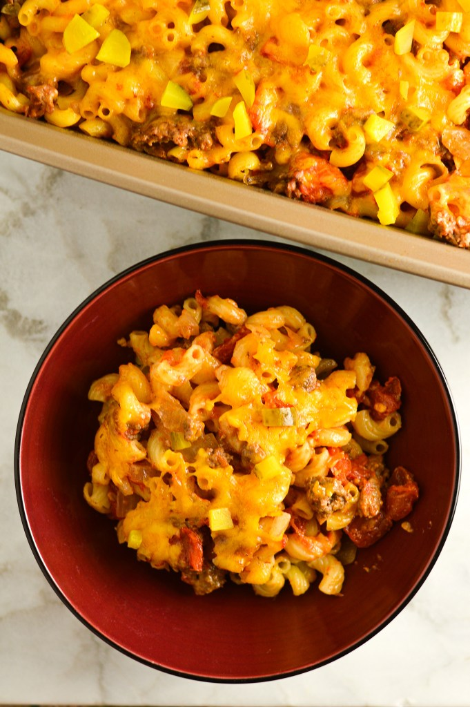 Cheeseburger-Macaroni-and-Cheese-Casserole-1
