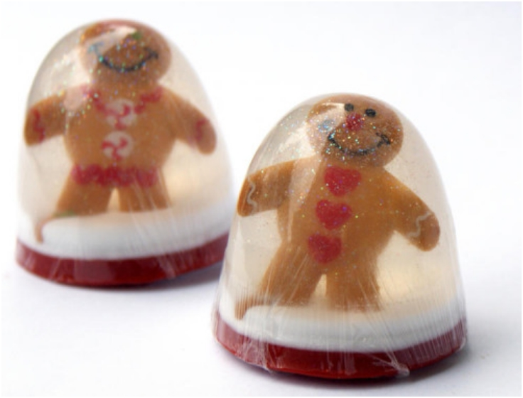 DIY-Holiday-Gingerbread-Men-Snow-Globe-Soaps
