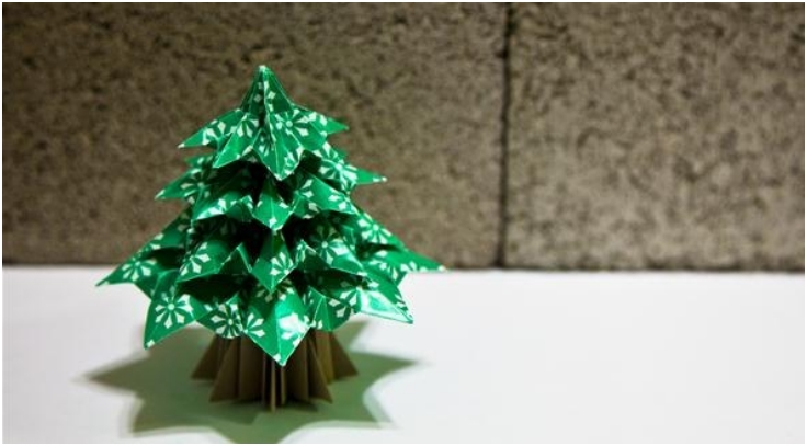 How To Make Christmas Tree Ornaments Out Of Construction Paper : Top diy mini christmas trees from paper inspired