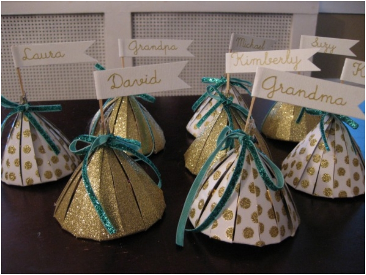 DIY-THANKSGIVING-PLACE-CARD-FAVORS