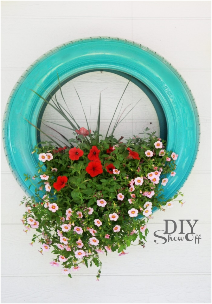 Top 10 diy projects for old car tires top inspired for Car tire flower planter