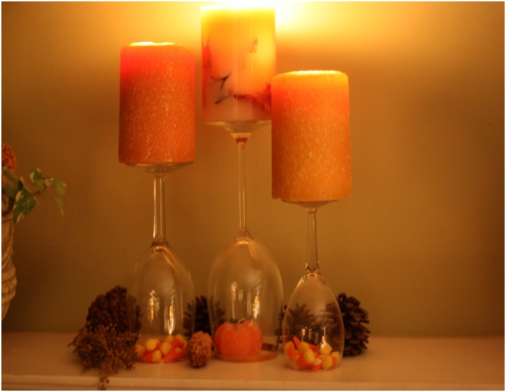 Easy-Mantel-Decorations-with-Glassware