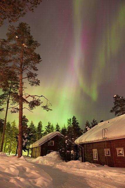 Finland-Aurora-lights-