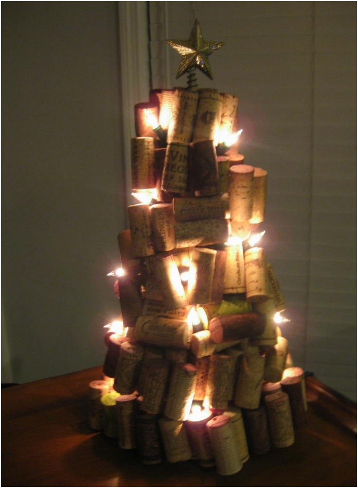 Top 10  DIY Crafts With Wine Corks