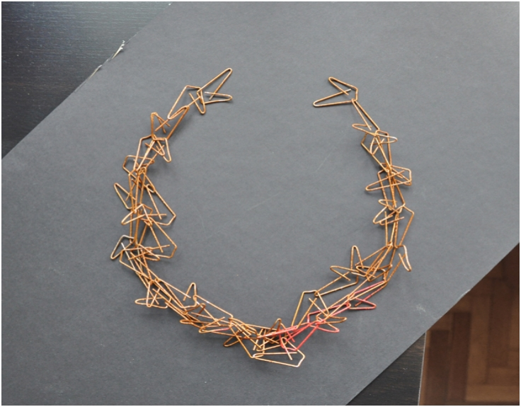 Make-a-necklace-out-of-paper-clips
