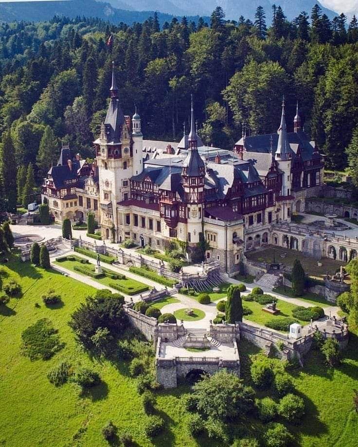 Peles-Castle-Romania-