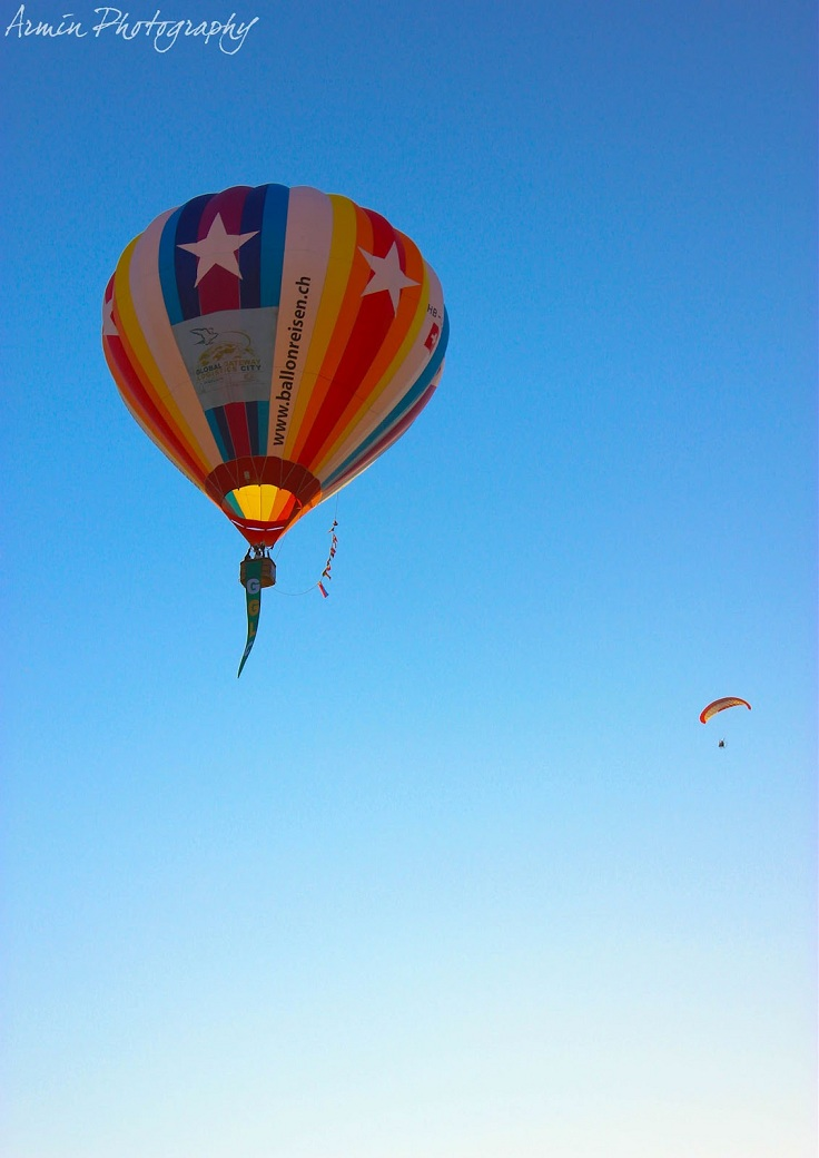 top 10 hot air balloon festivals in the world top inspired. Black Bedroom Furniture Sets. Home Design Ideas
