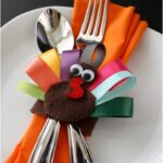 Turkey-Napkin-Rings-and-Turkey-Hair-Clips-Tutorial-150x150