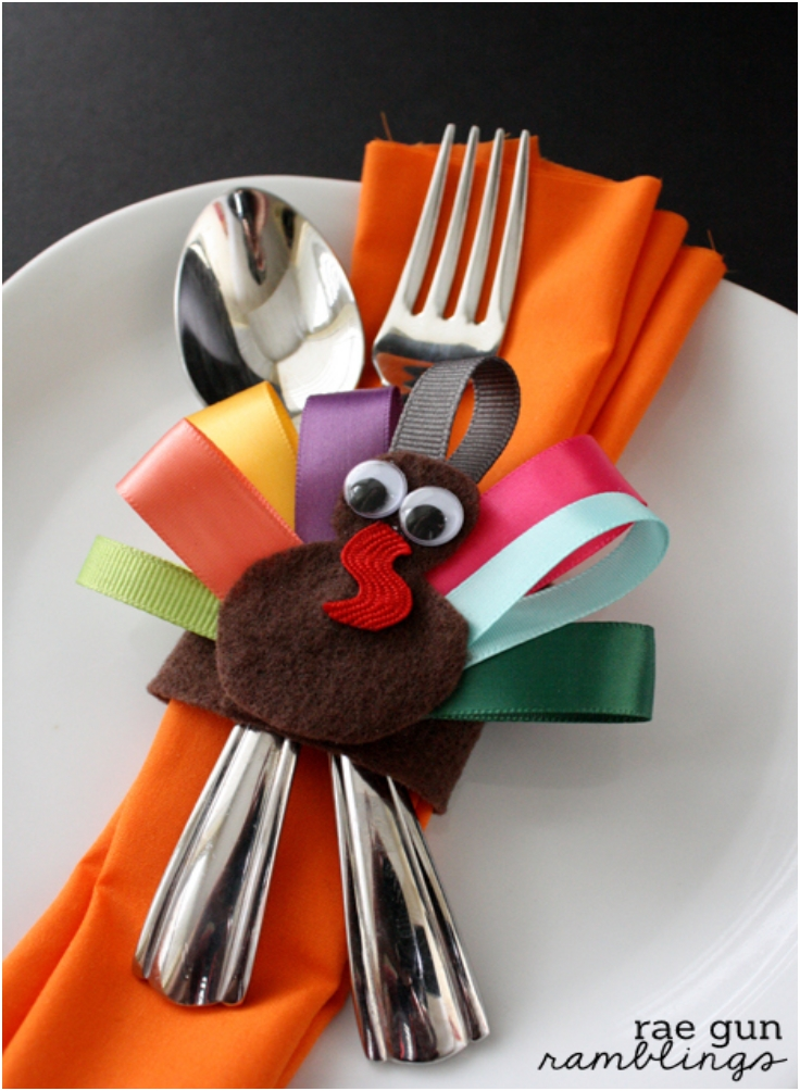 Turkey-Napkin-Rings-and-Turkey-Hair-Clips-Tutorial