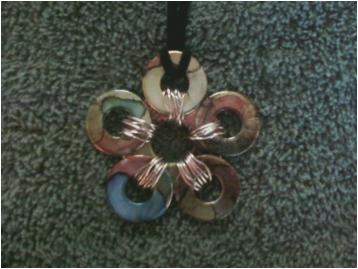 Tutorial-on-Multi-Colored-Flower-Washer-Necklace