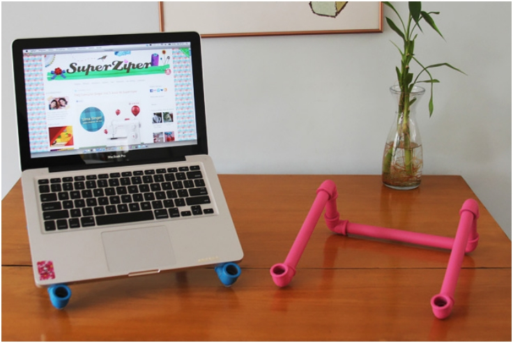 VC-Pipes-Notebook-Stand