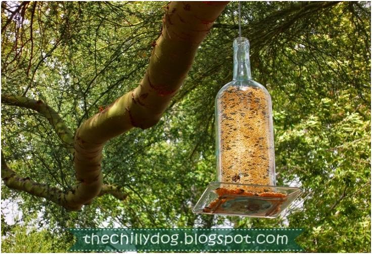 Wine-Bottle-Bird-Feeder