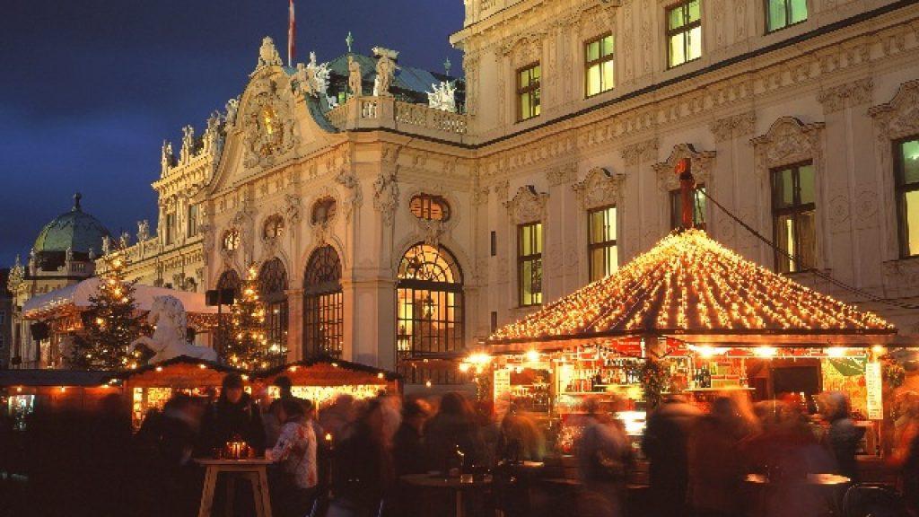 belvedere-palace-xmas-market--1024x576