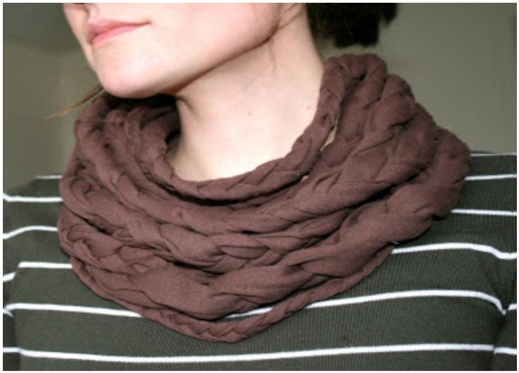 diy-braided-cowl-neck-scar
