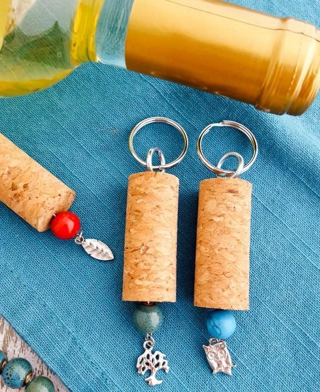 diy-wine-cork-key-chains