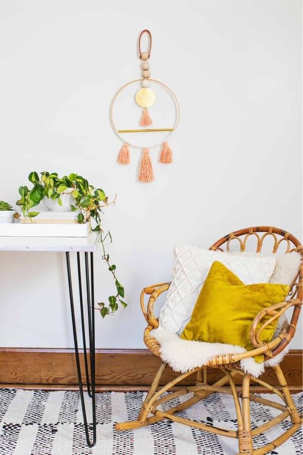 diy-yarn-art-for-wall