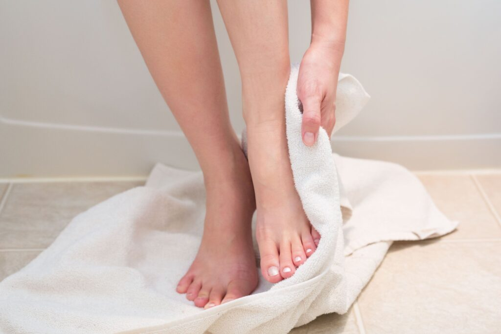 dry-your-feet-with-clean-towel--1024x683