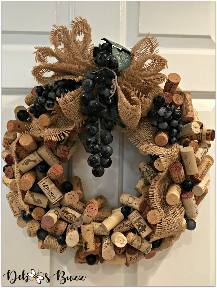 finished-wine-cork-wreath