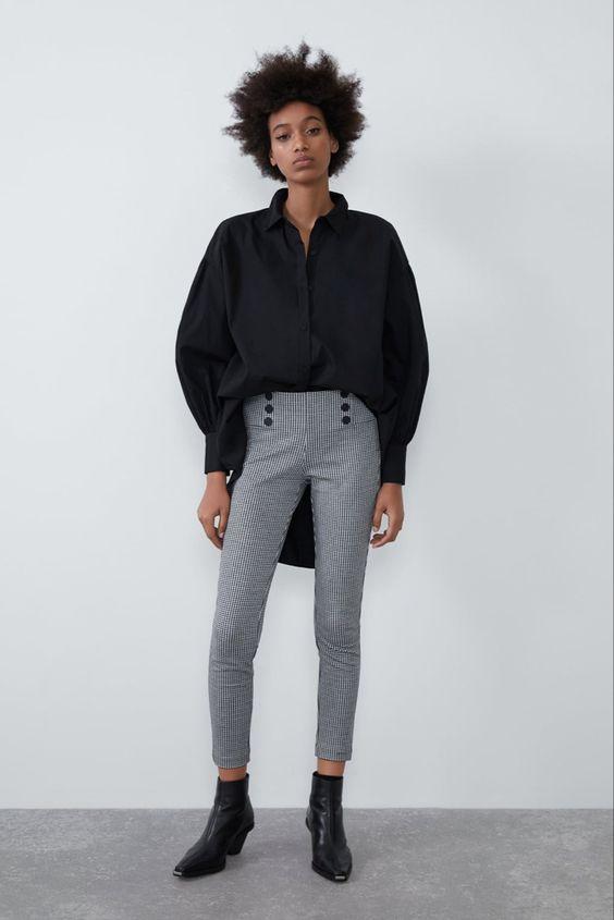 gingham-leggings-with-black-shirt-