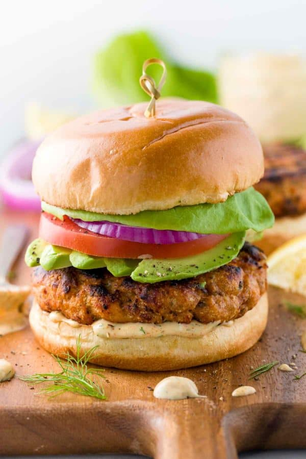 grilled-salmon-burgers-with-lemon-dill-sauce-600x900-1
