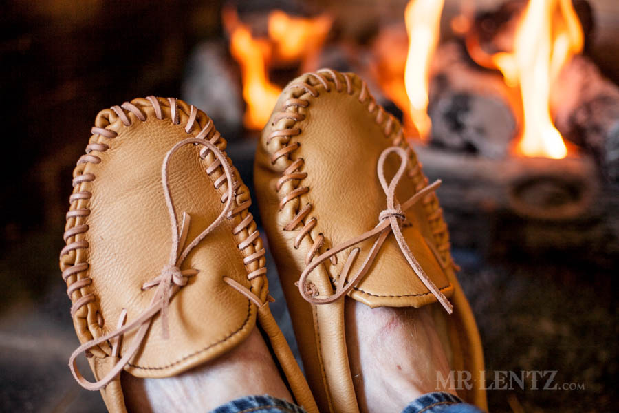 how-to-make-leather-moccasins-diy-tutorial_0175