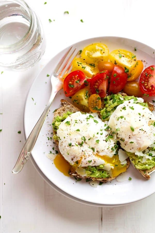 poached-egg-and-avocado-toast-