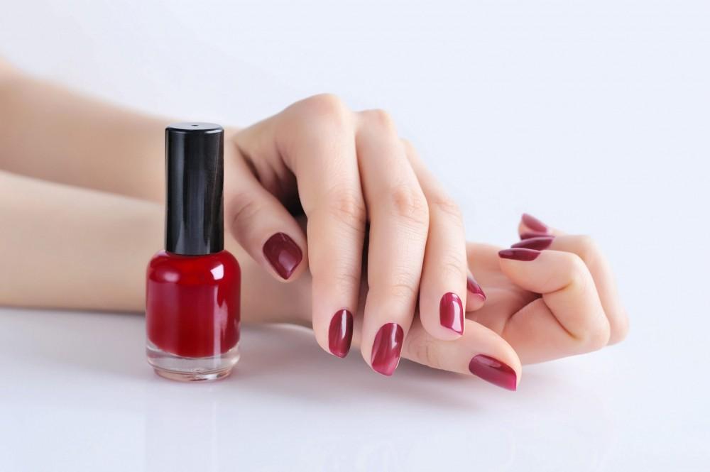 three-strokes-when-applying-nail-polish-
