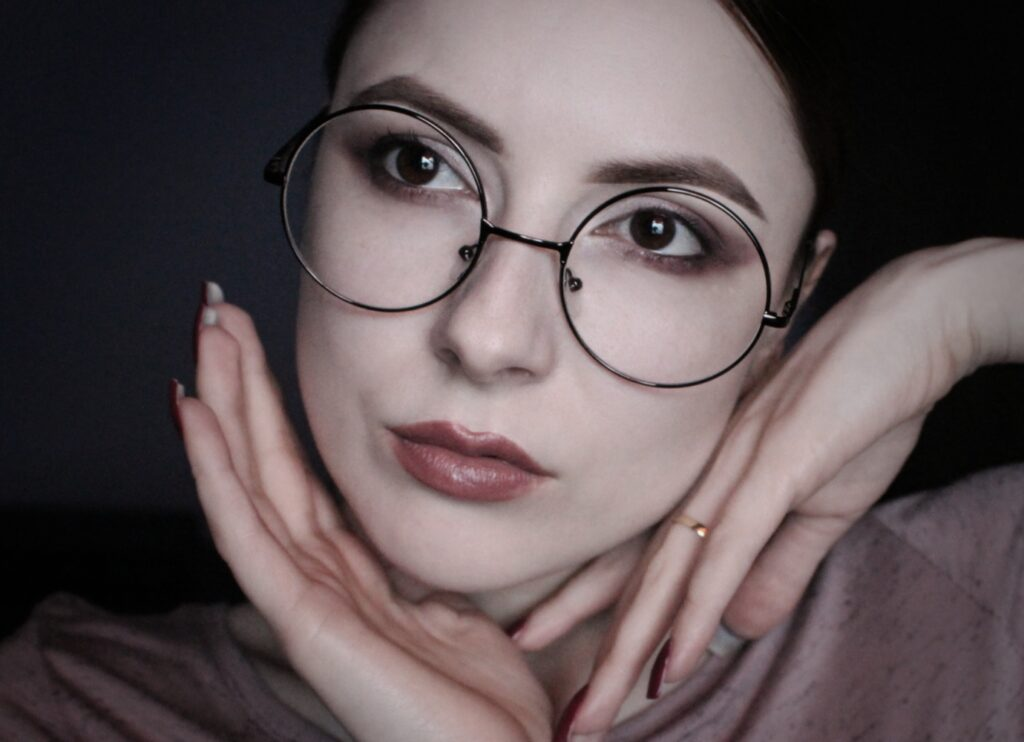 vintage-rounded-glasses--1024x742