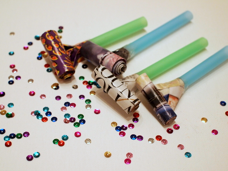 1-make-party-blowers-bubble-tea-straw-and-magazine-diy